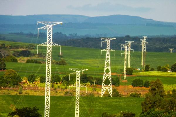 Energia Eletrica AGPR_Copel-vence-leilao-e-ira-investir-589-milhoes-no-Parana_27062015002-e1451561290254